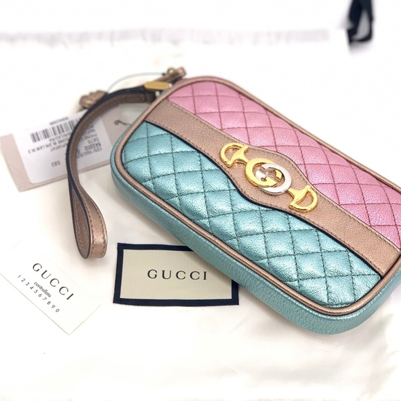 Gucci Handbags - NWT GUCCI Quilted Leather Trapuntata Wristlet Case
